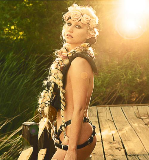kesha 3 - Kesha (Ke$ha) sexy pictures