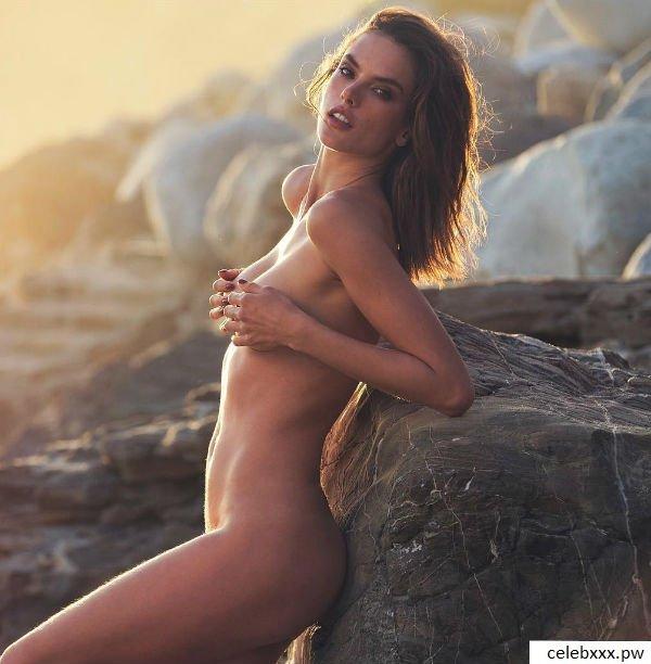 Alessandra Ambrosio nude-1