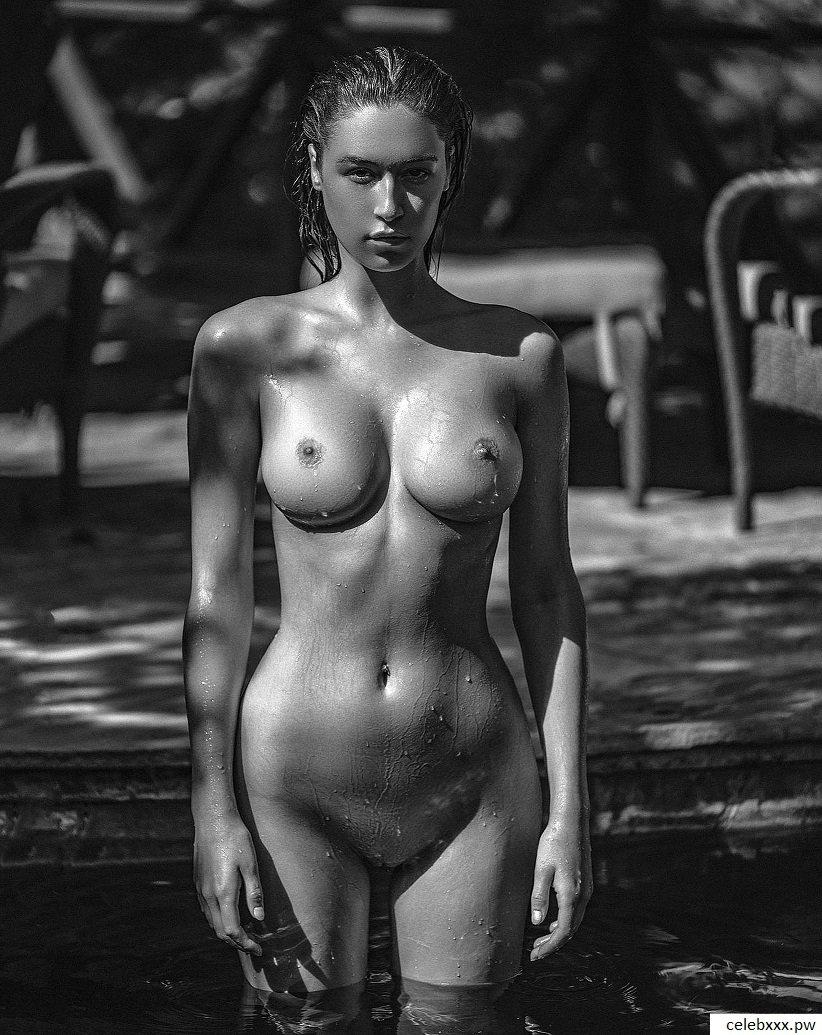 topless & nude