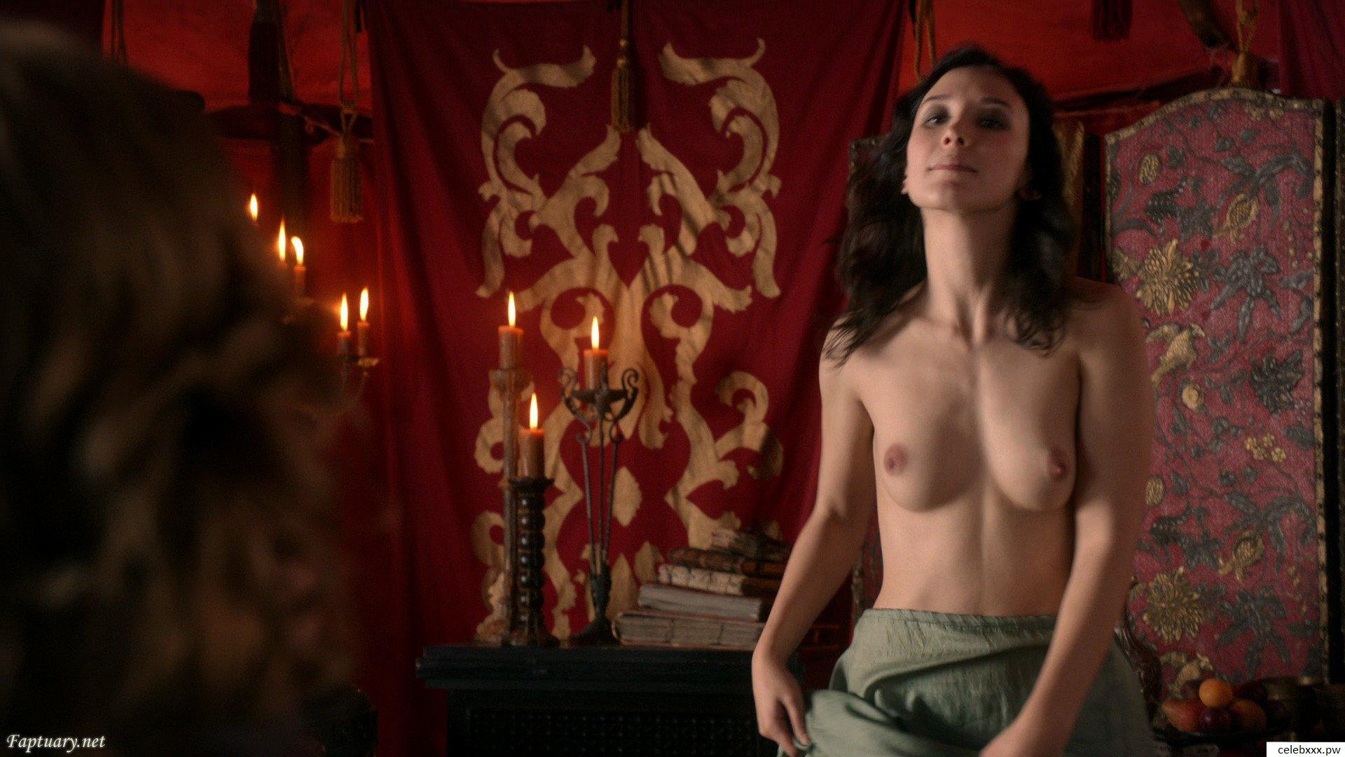 Shailene Woodley sexiest pic